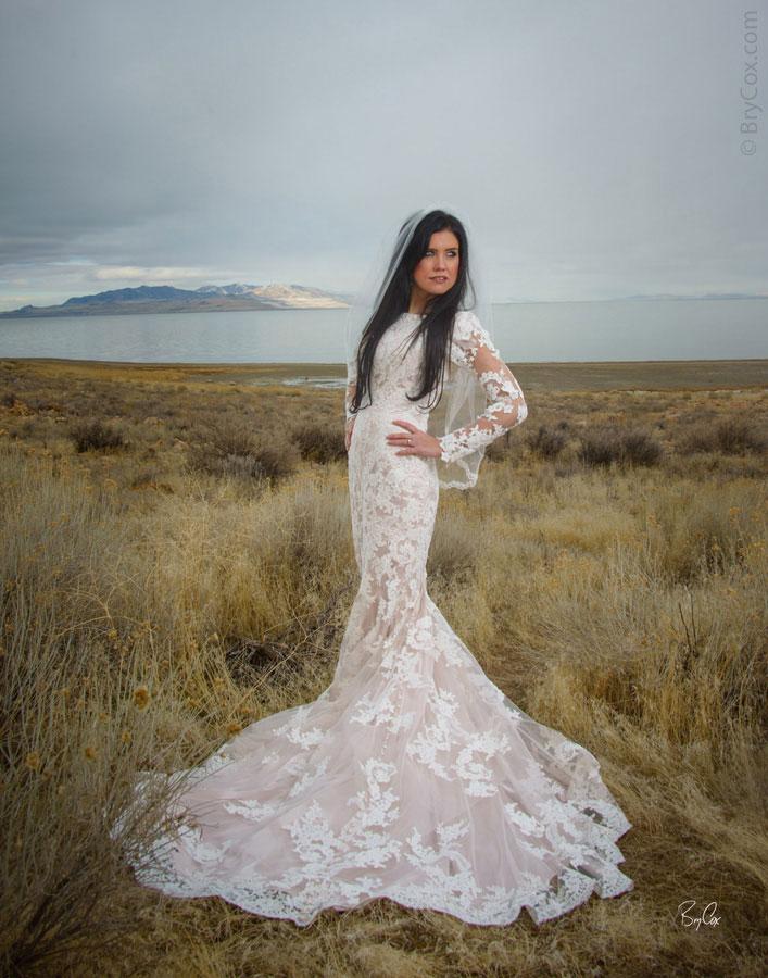 Brittney S Outdoor Winter Bridal Portraits In Utah Desert